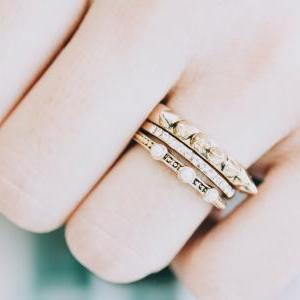 horn and pearl vintage ring set/vin..