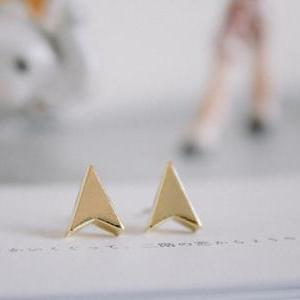 arrow earrings/gold plated earrings..