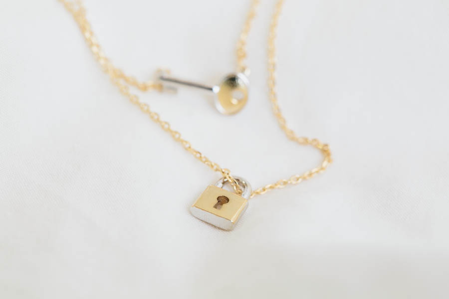 Key and lock necklacesjewelrynecklacependant tiny smalldouble key and lock necklacesjewelrynecklacependant tiny smalldouble layerstwo lines necklacekey lockvintage stylekey lock necklace n135k aloadofball Image collections