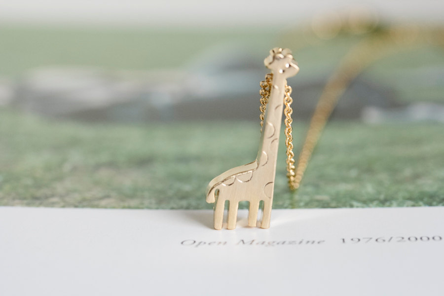 gold cute giraffe necklace,animal necklace,fashion necklace ,unique necklace,beautiful necklace,pretty necklace,womens necklace,N040K
