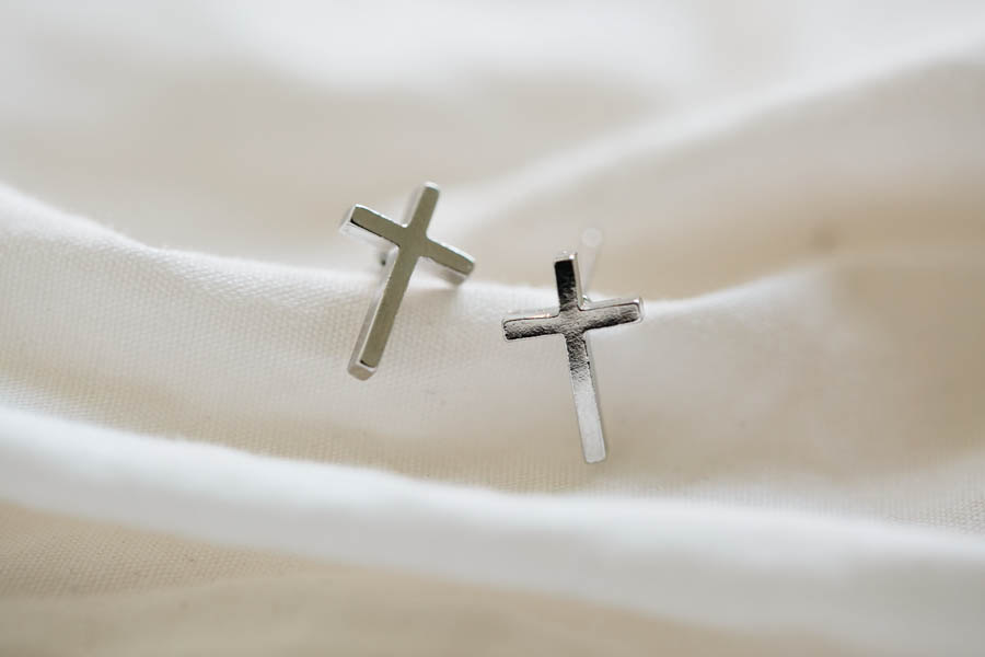 Platinum Plated Cross Stud Earrings Silver Women Men E045r