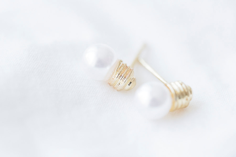 pearl bulb stud earrings/pearl earrings/gold pearl earrings/studs earrings/fun earrings/fashion earrings/women earrings,E057R