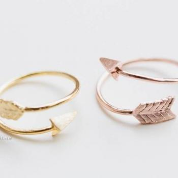 Gold thick arrow rings,unique rings,adjustable rings,knuckle ring,stretch rings,men ring,cool rings,couple rings,cute ring,fun rings,bow rings,,R021N