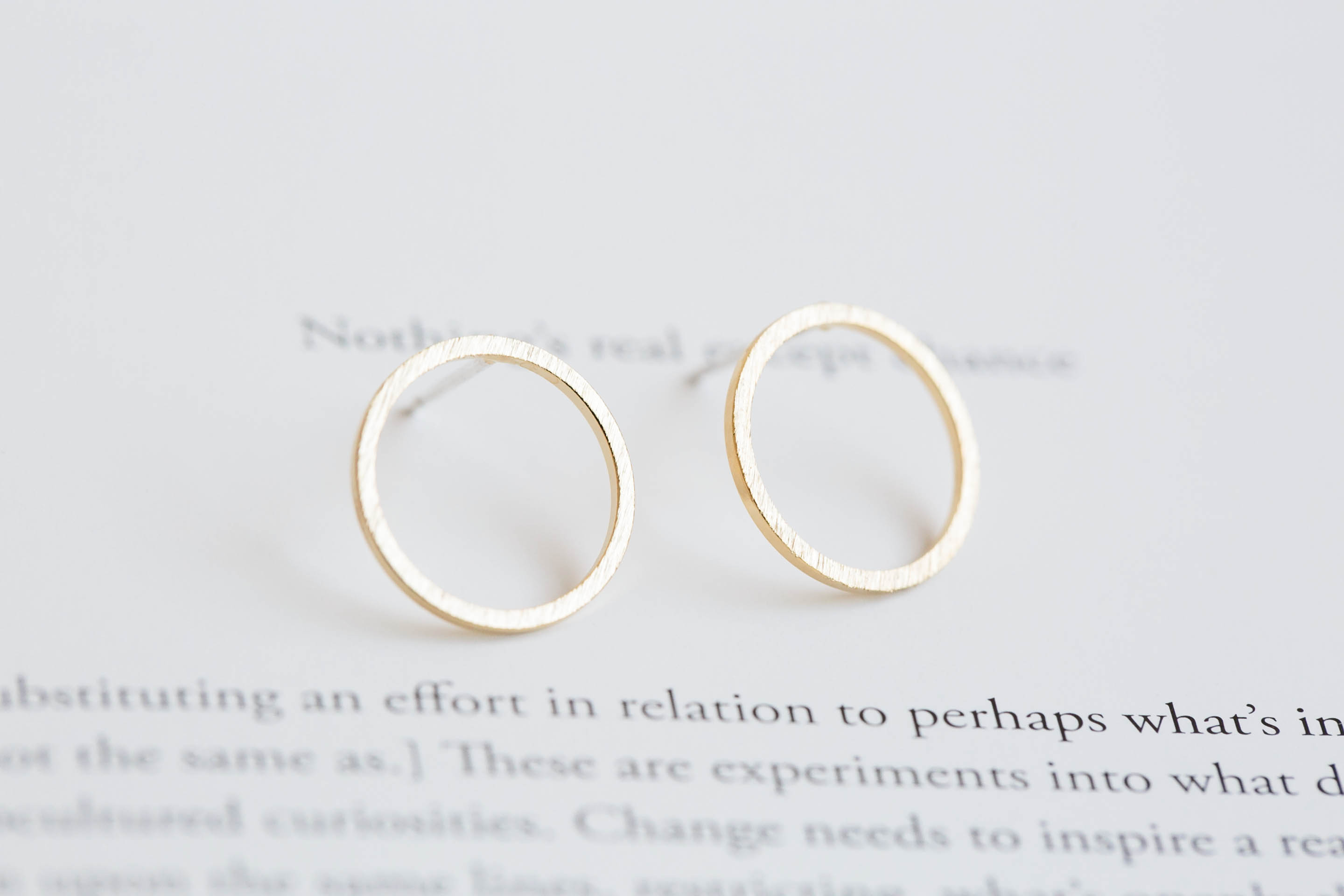 stud white circle image open earrings gold diamond jewellery
